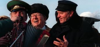 MOSCOU:JIRINOVSKI FETE SON ANNIVERSAIRE DEMARIAGE AVEC LE PEN