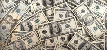 US Currency is seen in this January 30, 2001 image. AFP PHOTO/Karen BLEIER (Photo credit should read KAREN BLEIER/AFP/Getty Images)