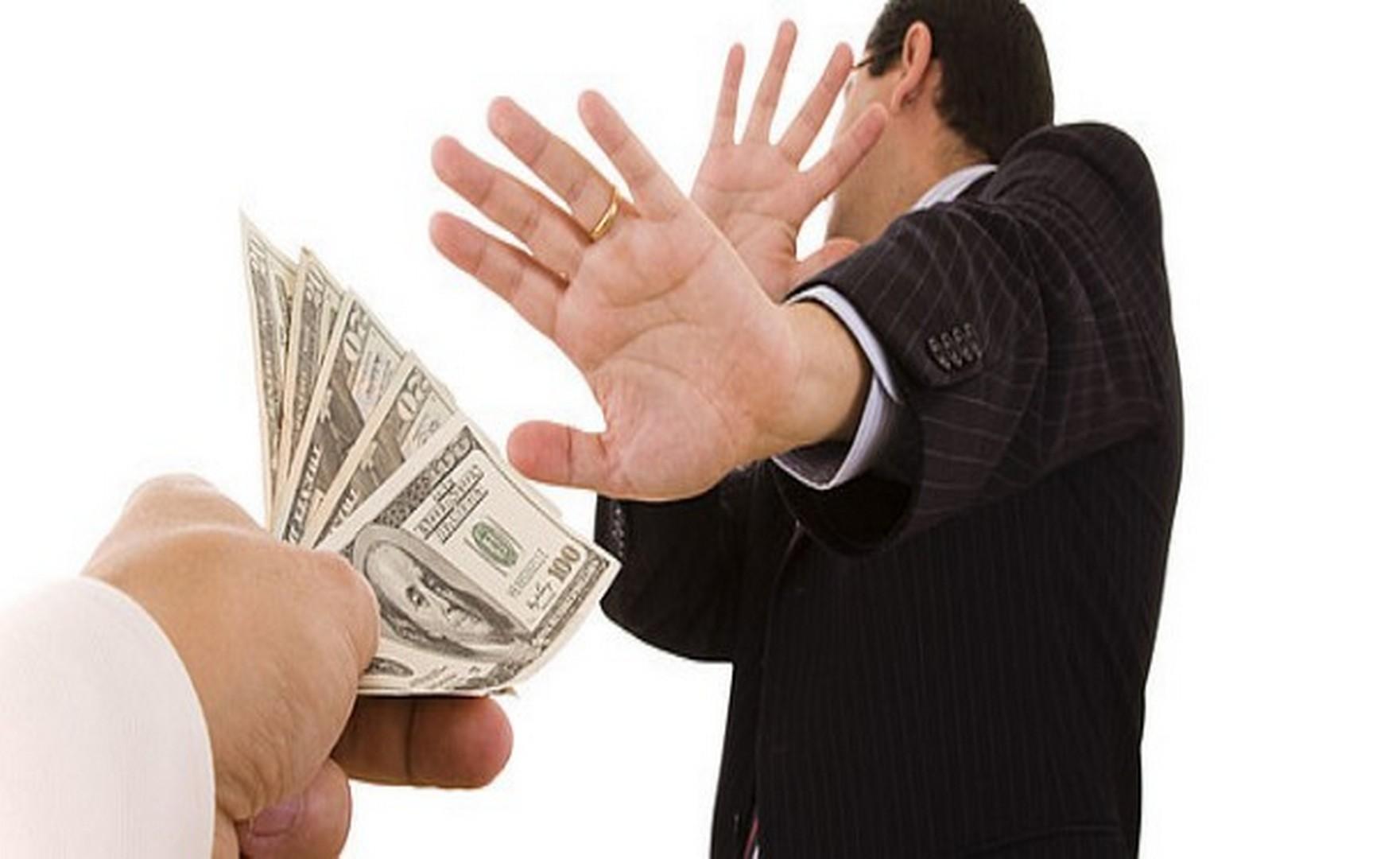 Взятки: cтатья УК РФ, ответственность и наказание по закону До какой суммы подарок не является взяткой