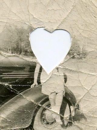 she-lived-inside-someones-locket