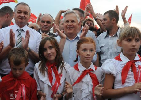 symonenko in kherson oblast 2012 campaign from symonenko.eu_